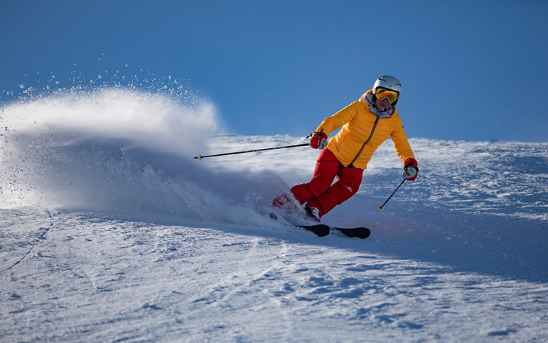 avoid skiing injuries with physiotherapy
